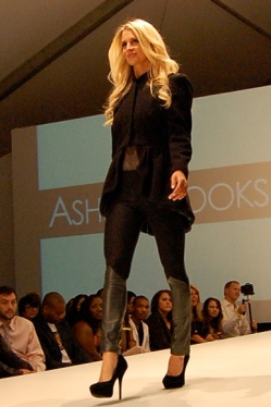 More from Ashlee Brooks: Fabulous leather-panel cigarette pants.