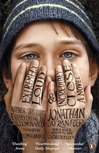 extremely-loud-and-incredibly-close-cover-195x300