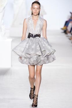 giambattista-valli-fall-2013-couture-03_180546434009