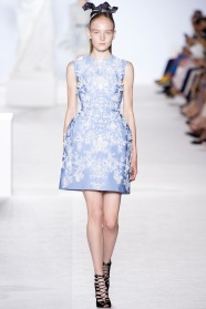 giambattista-valli-fall-2013-couture-10_180552507652