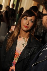 (A sassy) Rashida Jones at Tory Burch